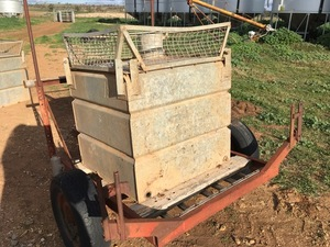 Under Auction - Water Tank & Trailer - 2% Buyers Premium on all Lots