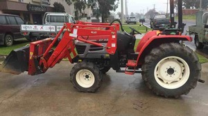 YANMAH 453EF COMPACT TRACTOR FOR SALE *** 175 HOURS ***
