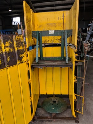 Woolpress Morton Baker Semi side Pinner 240 Volts