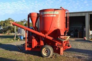 Napier 100 roller mill hammermill and mixer