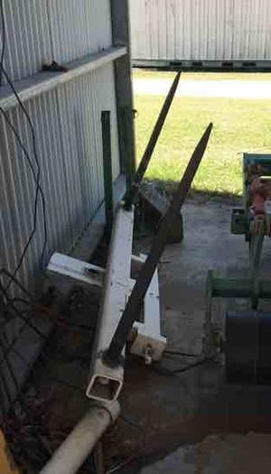 2 bale spear