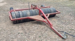 RUBBER TYRE ROLLER 2.7M