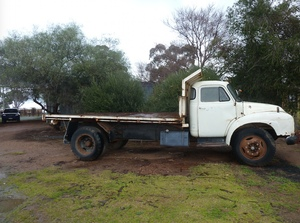 Bedford tipping truck J5 8 ton