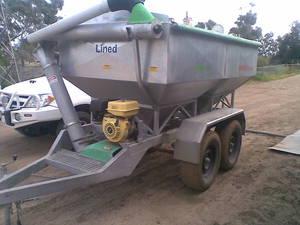Farmpro mobile grain feeder/grouper