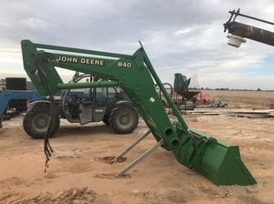 840 john deere loader