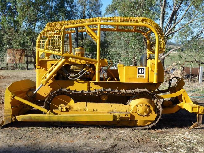Bulldozers For Sale >> Caterpillar D4d Bulldozer Machinery Amp Equipment Earthmoving
