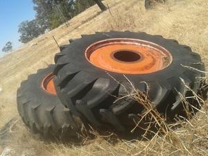 Duals 18 4 38 Tyres 95% suit 70 or 90 series case