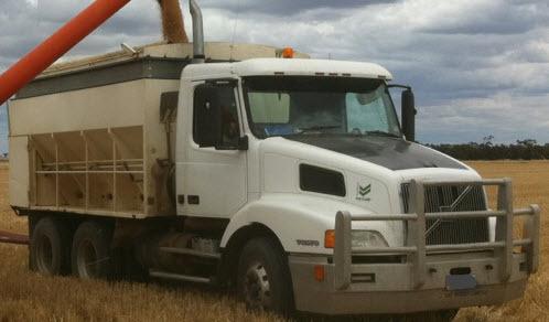 for sale volvo nh 12 prime mover trucks trailers large. Black Bedroom Furniture Sets. Home Design Ideas