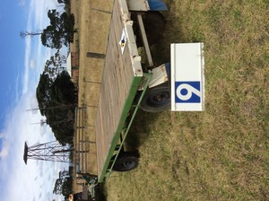Under Auction - Baby Quinn style trailer - 2% + GST Buyers Premium On All Lots