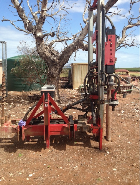 2011 el gra post driver machinery equipment post drivers for Hydraulic auger motor for sale