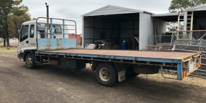 Work wanted - Isuzu FRR 500, 10 tonne with  6.2m tray and Stockcrate