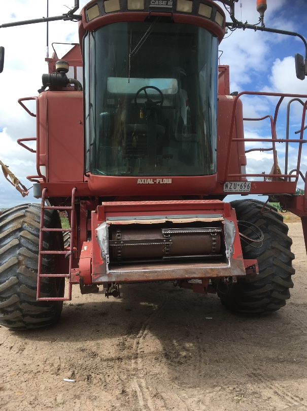 2188 Case Ih Header With 30ft 1010 Front Amp Trailer Machinery