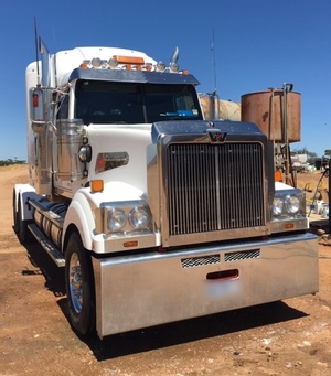"""Western Star 4900 -  52"""" Bunk With DD 15 Motor"""