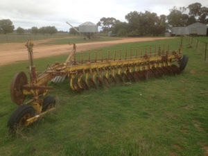 18 plate Connor Shea disc plow For Sale