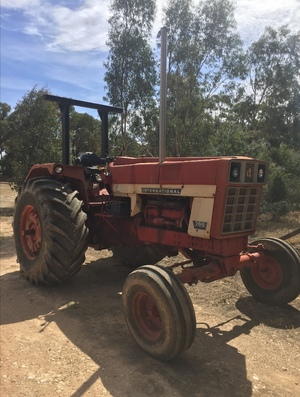 International 766 Tractor