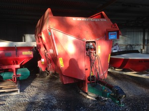 tarrup mixer wagon 614 approx 6 t cubic capacity, scales near new excellent condition