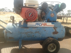 Air Compressor Honda motor swan twin cylinder in exc cond