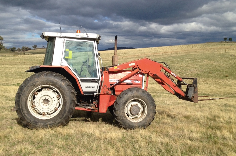 Massey Ferguson 3070 Tractor With Front End Loader Machinery
