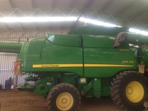 John Deere 9770 header / harvester for sale with John Deere 640 Draper 40FT 2011 Front