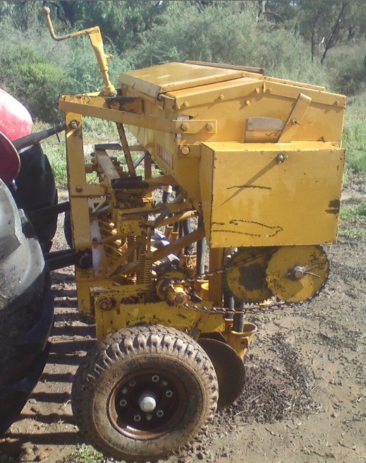 connor shea 10 row disc seeder for sale machinery equipment. Black Bedroom Furniture Sets. Home Design Ideas