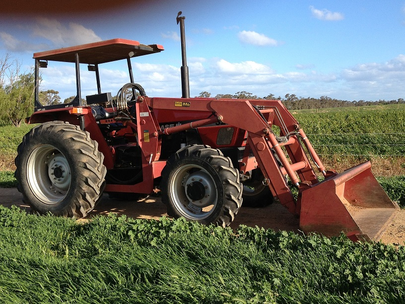 Ih Tractor Loaders : Case ih wd tractor with front end loader machinery