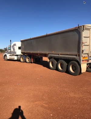 Freightliner Business Class 2000 with Byrne 36 ft X 6ft 1997 Trailer