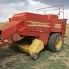 New Holland 2000 Large square baler 8x4x3