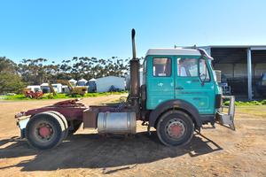 Under Auction - Mercedes 1424 Prime Mover