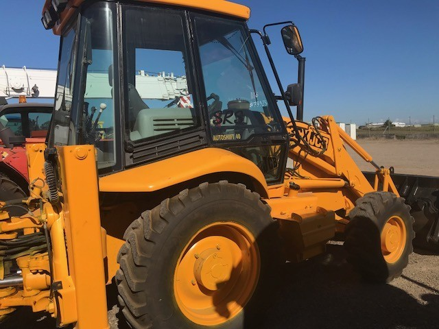 JCB 3CX 2000 turbo with A/C rops cabin  4 in 1 loading bucket and 450mm dig  bucket