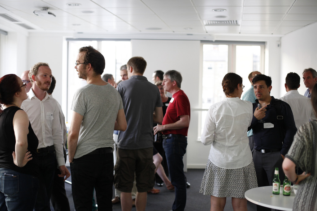 The Do's and Don'ts of Networking Events