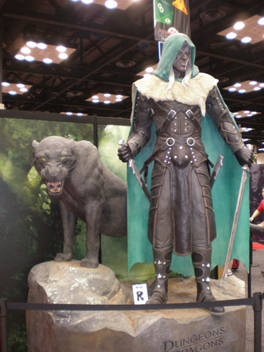 Drizzt Do'Urden & Guenhwyvar at D&D booth