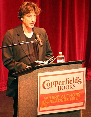 Neil Gaiman reads from The Ocean at the End of the Lane