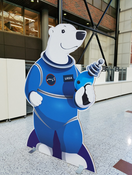 The WorldCon75 mascot was a polar bear.