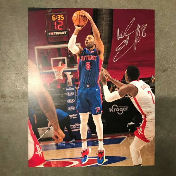 Autographed 8x10 Photo of Wayne Ellington