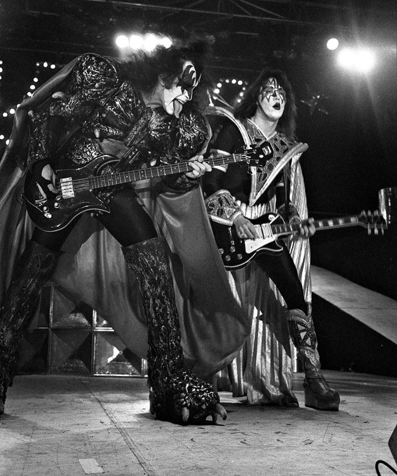 genesimmons kissband kiss classicrock legends bassplayer bassist guitarrist 1980 1980s 80 80s