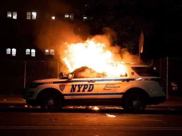 Ep 127 - Riot Cars Go Vrrrrroom w/ Arturo & Shemon