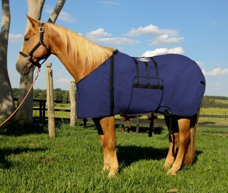 Capa Protetora com Barrigueira Boots Horse Azul Escura