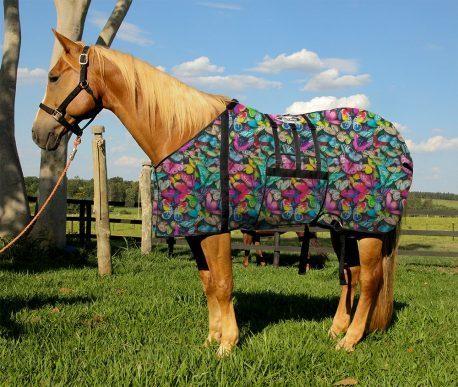 Capa Protetora com Barrigueira Boots Horse Borboletas