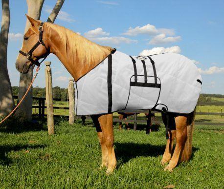 Capa Protetora com Barrigueira Boots Horse Branca