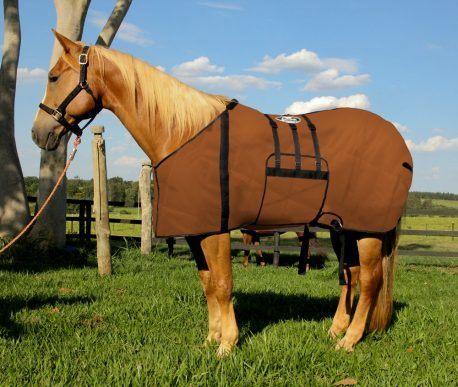 Capa Protetora com Barrigueira Boots Horse Marrom