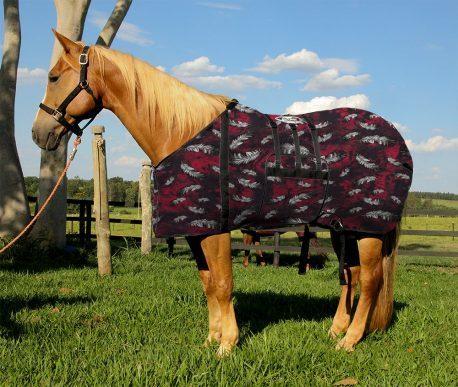 Capa Protetora com Barrigueira Boots Horse Penas