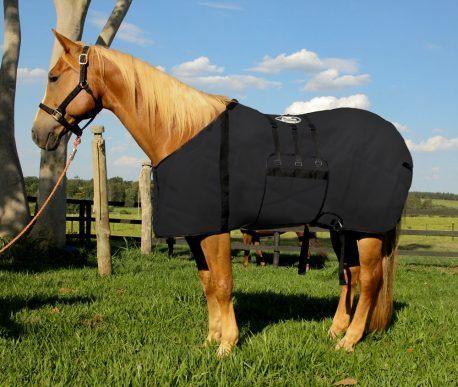 Capa Protetora com Barrigueira Boots Horse Preta