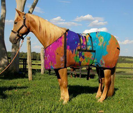 Capa Protetora com Barrigueira Boots Horse Tintas