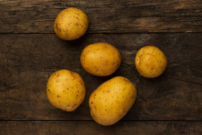 Thumb 400 various farms organic yukon gold potatoes lb