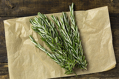 Thumb 400 various farms organic rosemary bunch