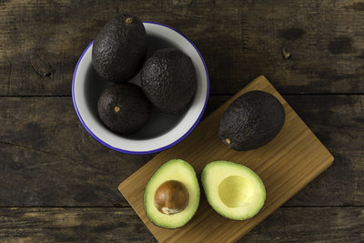 Thumb 400 various farms organic hass avocado each