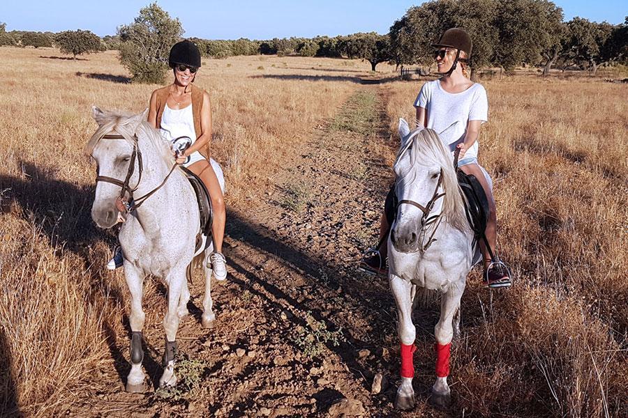 Horseback riding at São Lourenço do Barrocal