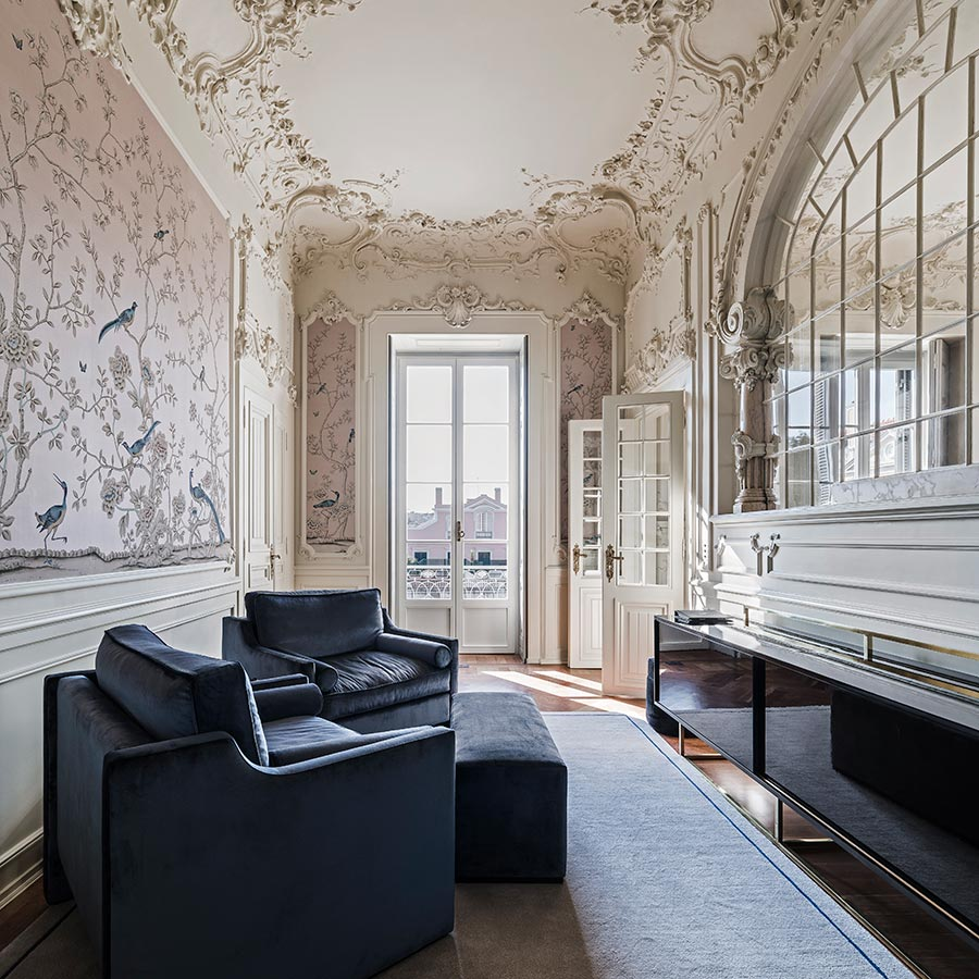 Custom de Gournay wallpaper in the sitting room of the Queen's Suite at Verride Palacio Santa Catarina.