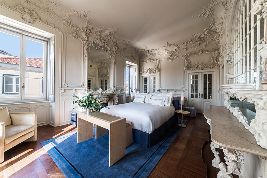 Rococo-style modeling in Queen's Suite at Verride Palacio Santa Catarina.