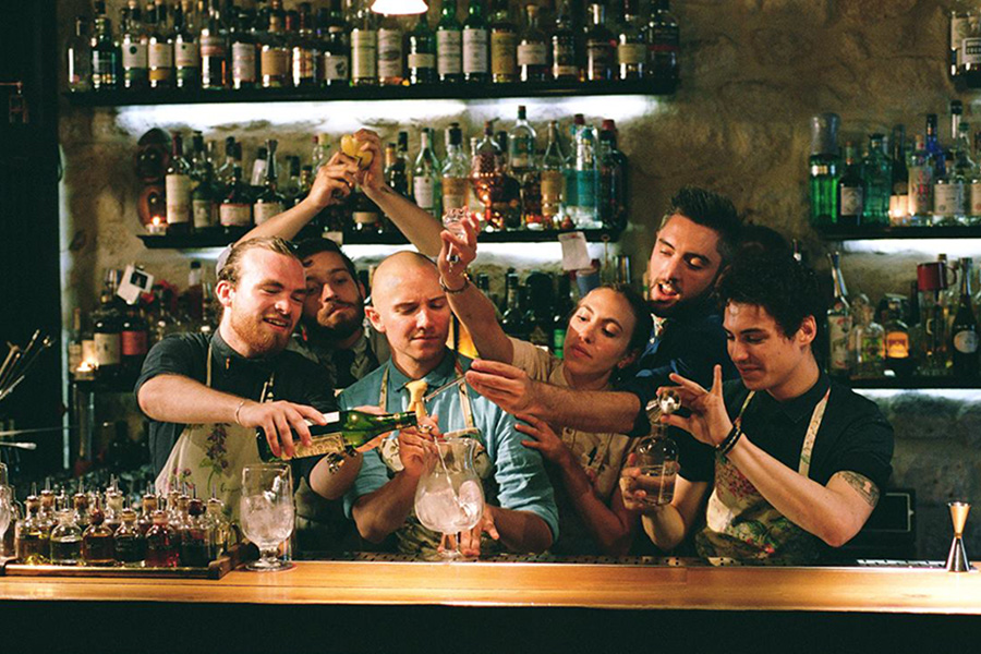 Parisian Cocktail Guide